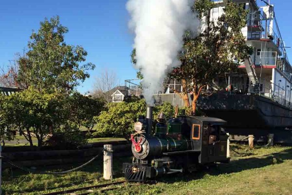 Tommy Thompson locomotive on the move